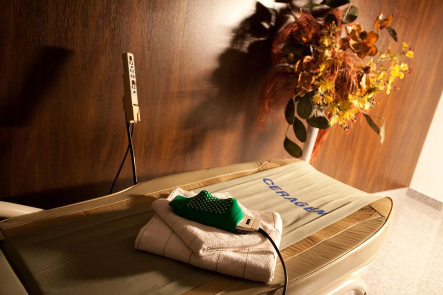 rehabilitacna masazna postel CERAGEM